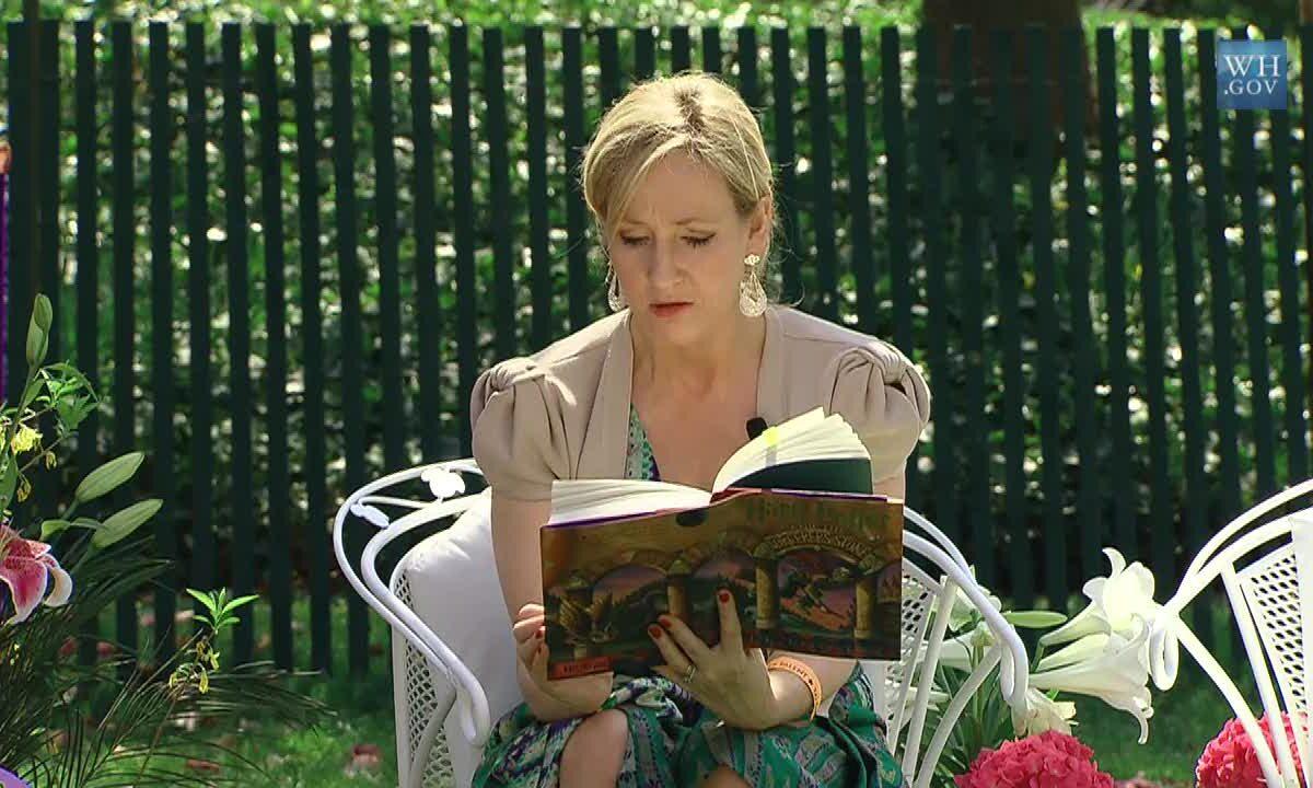 JK Rowling, autora de Harry Potter, dona 17 millones a la investigación de la Esclerosis Múltiple