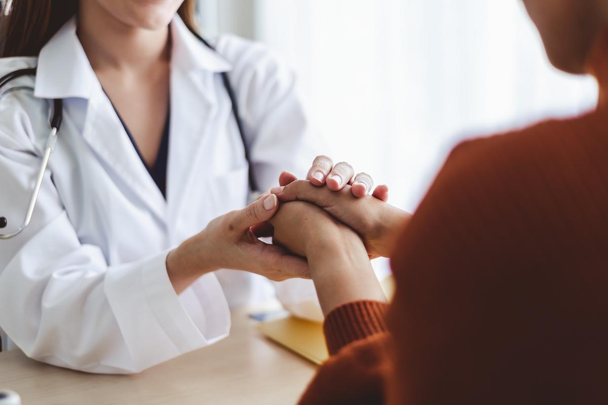 Descubierta una posible causa por la que las mujeres tienen mayor riesgo de tener EM