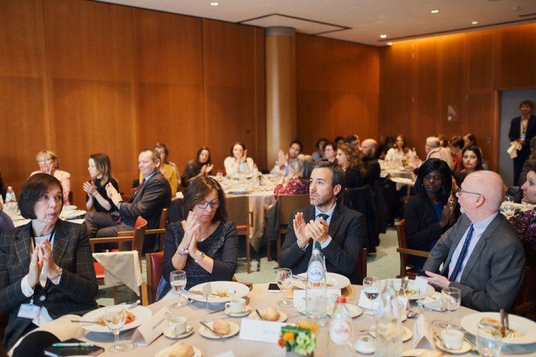 La necesidad de protección social y la mejora de la coordinación sociosanitaria en Esclerosis Múltiple, sobre la mesa en el Parlamento Europeo