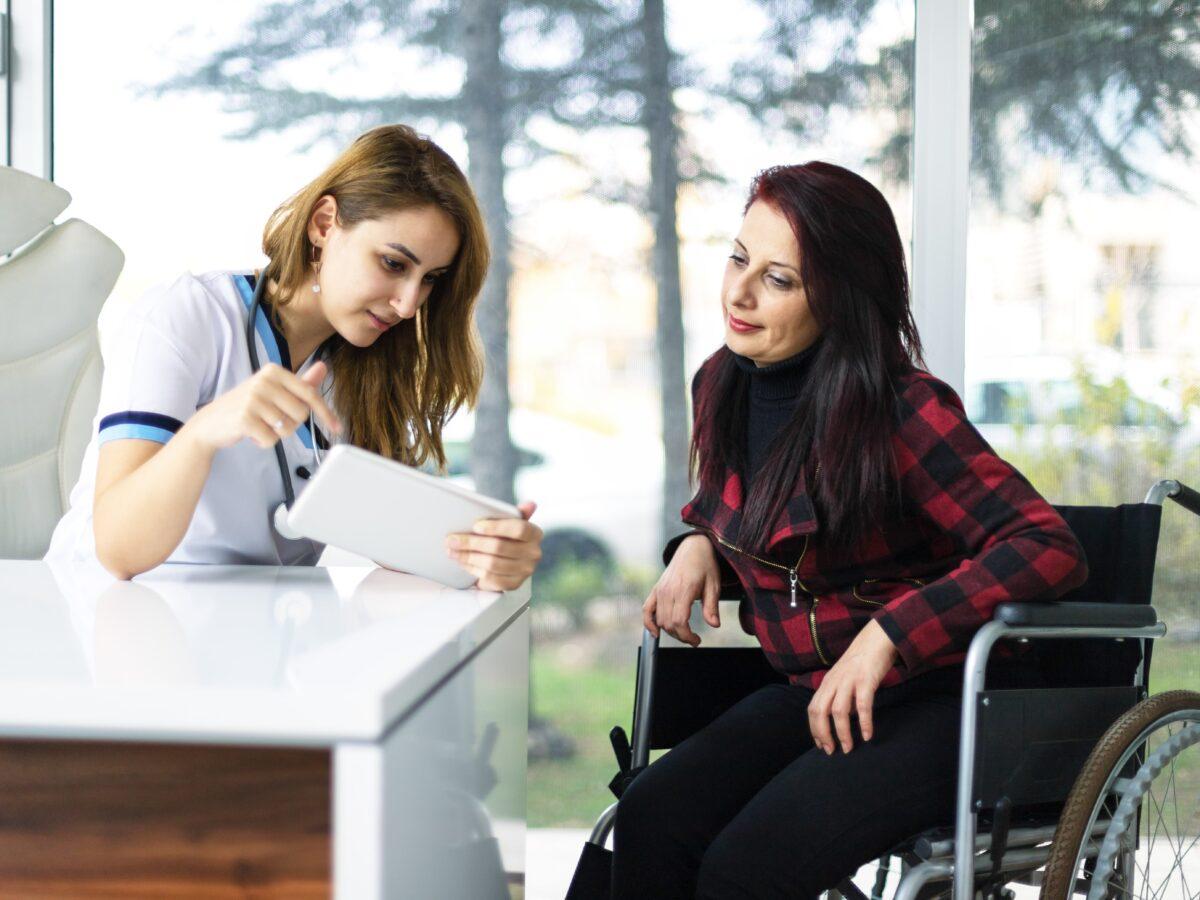 La jubilación anticipada de trabajadores con discapacidad.